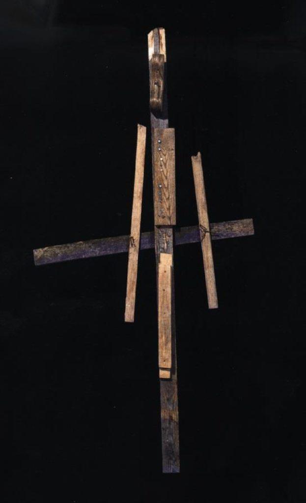Jean-Pol Godart, sans titre, entre 1994 et 2004, bois, métal et gouache, 210 x 100 cm (photo Prodia)